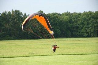 Paragliding na letišti